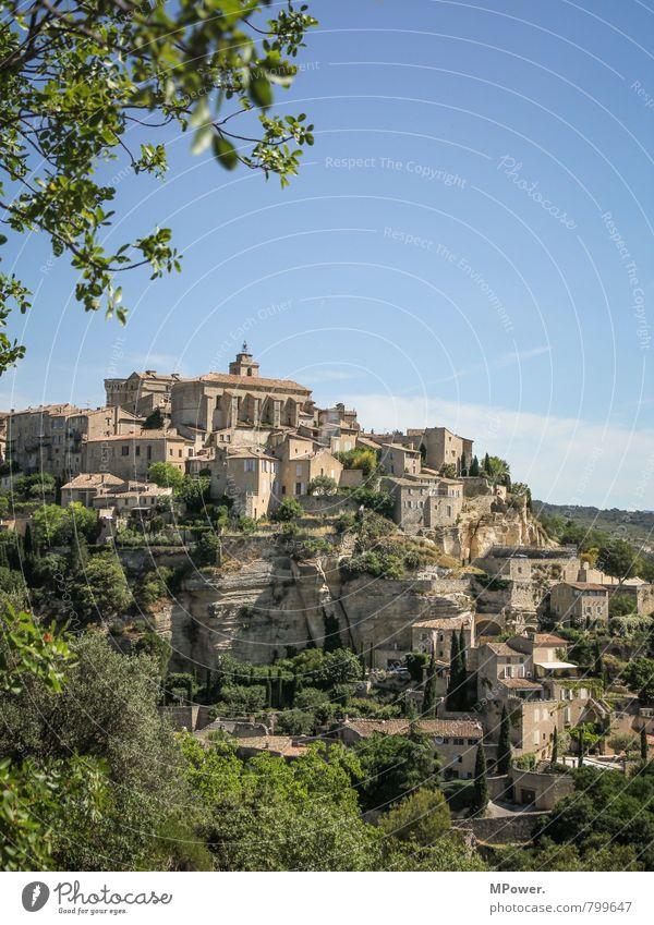 Gordes Dorf Stadtzentrum Haus Kirche Burg oder Schloss Bauwerk Gebäude Architektur alt Frankreich Provence Sommerurlaub Blauer Himmel Altstadt Idylle Tourismus