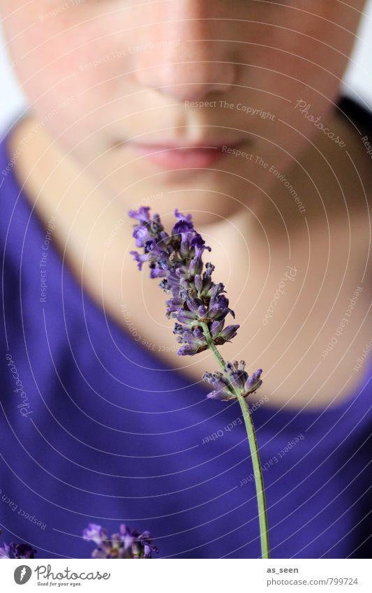 Duft Kind Natur blau schön Farbe Erholung Blume Mädchen Erotik Leben Blüte natürlich Kindheit ästhetisch Mund genießen