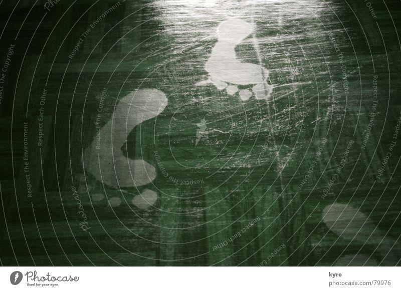 Barfuß Linoleum Zehen Fußspur Bodenbelag Reflexion & Spiegelung Flur Silhouette gehen Wohnung Parkett Holzfußboden Spuren Wohnzimmer Strohballen laufen