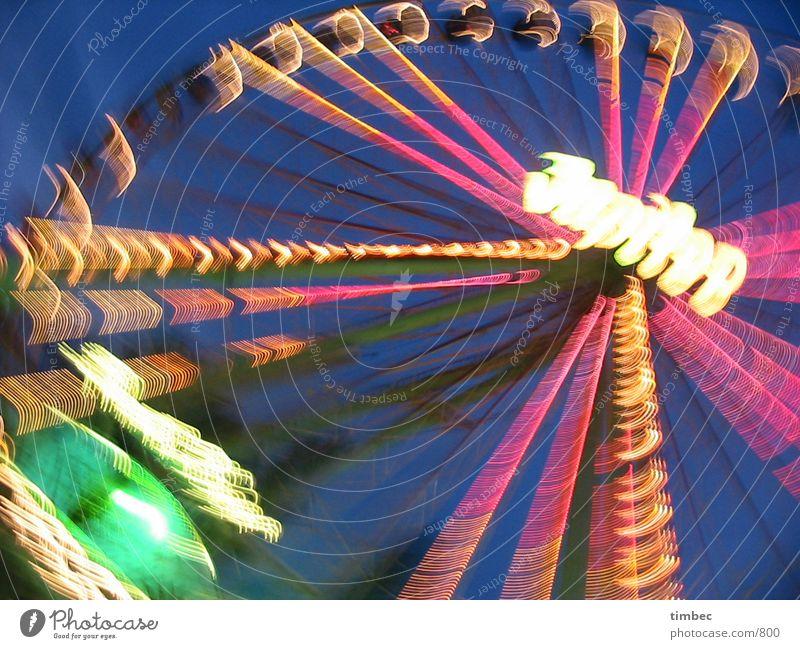 Riesenrad Mensch Himmel blau grün Farbe rot Freude Lampe orange Aktion verrückt Geschwindigkeit groß Elektrizität Jahrmarkt drehen