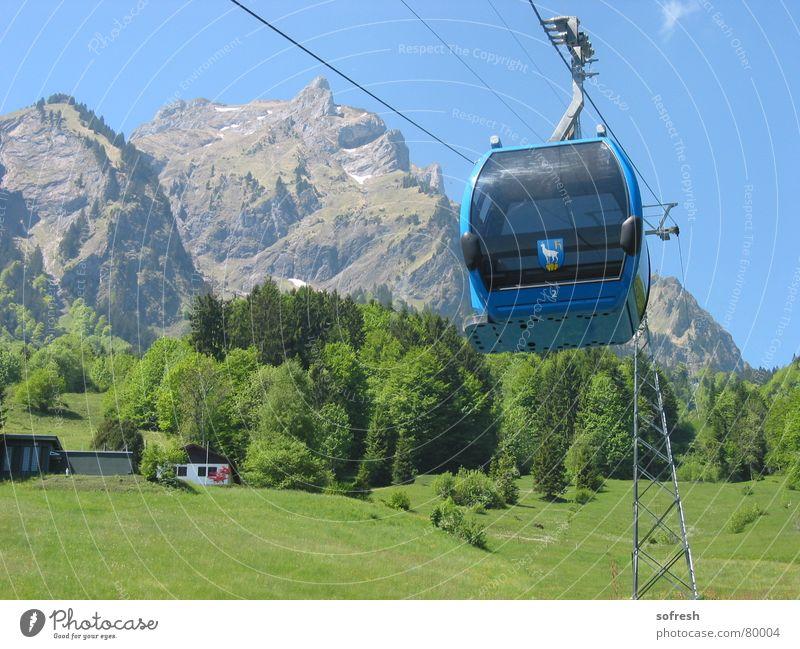 Bahn Himmel Sommer Wald Berge u. Gebirge groß Schönes Wetter Aussicht fahren Dorf Schweiz aufwärts Gondellift Pilatus