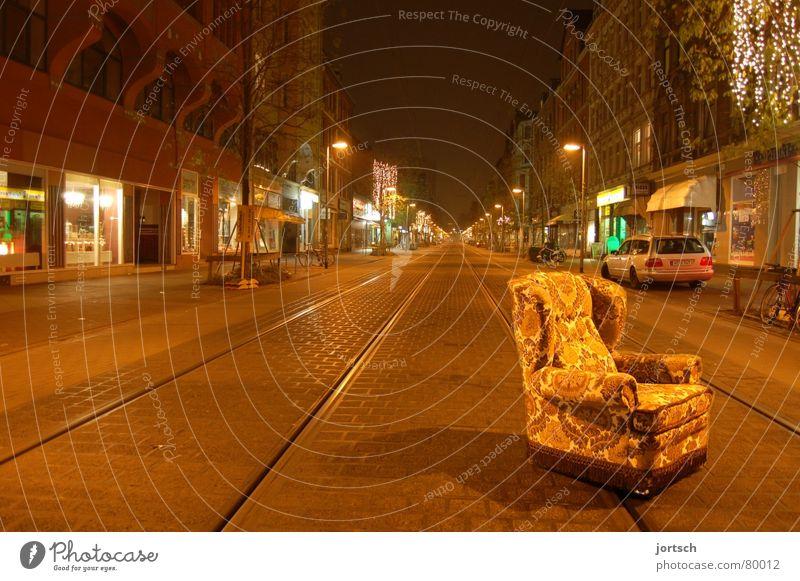 sessel ruhig Einsamkeit Straße schlafen leer Möbel Verkehrswege Sessel Hannover Linde Nachtruhe Feldlager