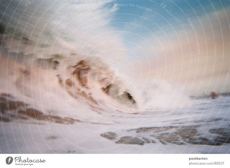 oh oh! Welle bis in den Himmel - Kamera schnell weg! Wellen Meer Ferien & Urlaub & Reisen Schaum Südafrika Farbenmeer Wasserwirbel Wellenform Wasserschwall