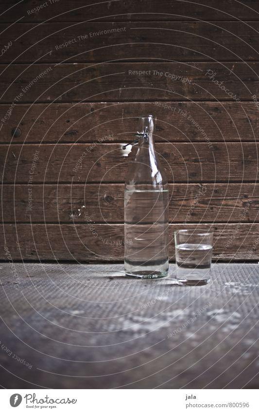 wasser Getränk Erfrischungsgetränk Trinkwasser Flasche Glas Gesunde Ernährung Leben Wasser ästhetisch Flüssigkeit Gesundheit natürlich Farbfoto Außenaufnahme