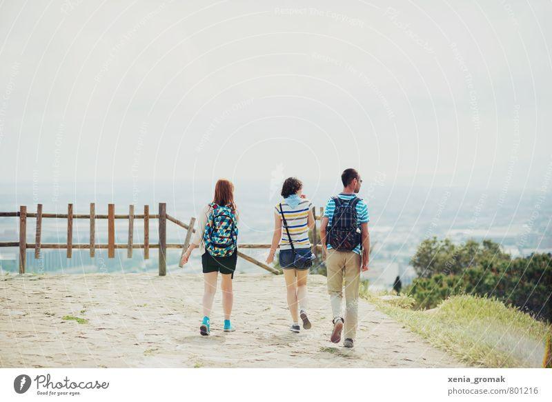 die Aussicht Mensch Ferien & Urlaub & Reisen Jugendliche Stadt Sommer Sonne Freude 18-30 Jahre Ferne Erwachsene Berge u. Gebirge Leben Reisefotografie Freiheit