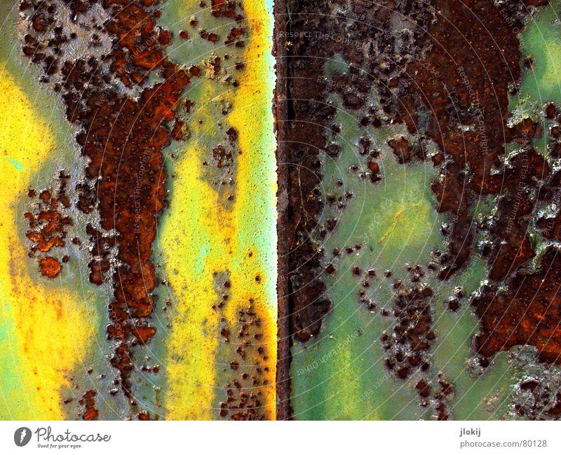 Oxidation I Sauerstoff Luft gelb grün abblättern Ecke Wand braun Rost Eisen Stahl Altwaren Oxidationsmittel Schrott Vergänglichkeit elektronen