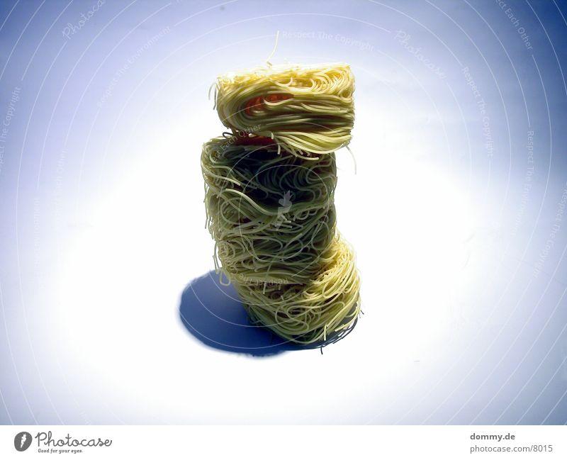 der schiefe Turm von und zu Nudel gelb Gesundheit Kreis Ball Nudeln Haufen