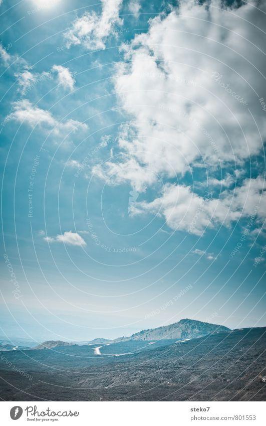Blick vom Ätna Himmel Wolken Felsen Berge u. Gebirge Vulkan blau schwarz weiß Freiheit Horizont Ferne Sizilien Gedeckte Farben Außenaufnahme Menschenleer