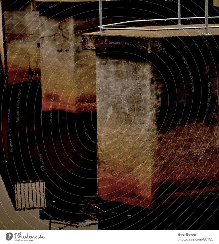 Phandombrücke rot Beton Verfall Einsamkeit Reflexion & Spiegelung Geometrie Sonnenuntergang Toilette Brückenpfeiler Abend gedächtnishilfe Wasser schwärze