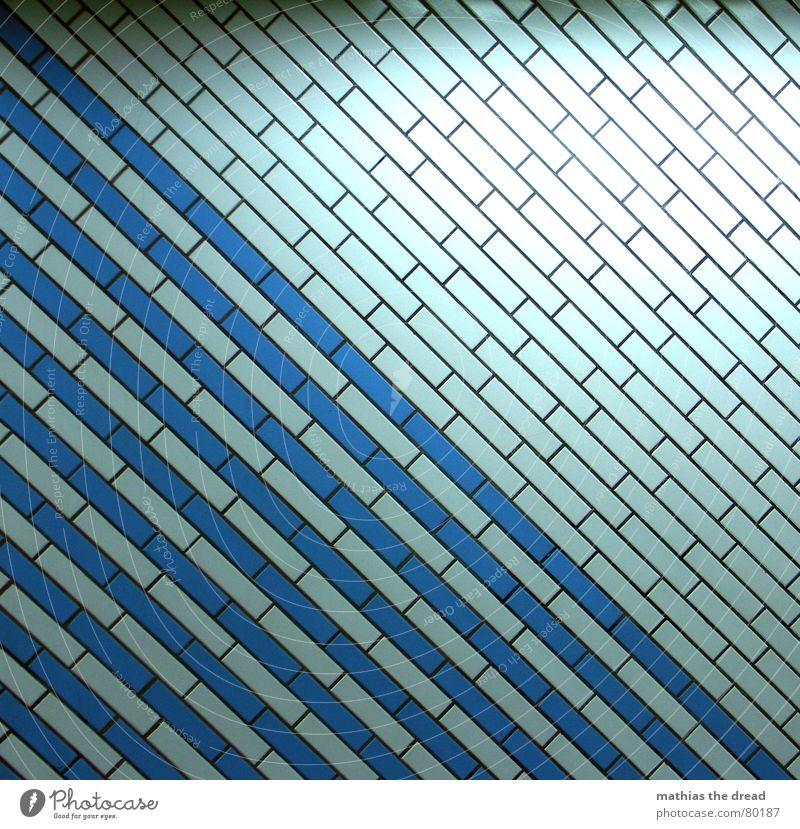 augenkrebs Rechteck Reflexion & Spiegelung Quadratmeter quer gestreift parallel Wand Muster Licht dunkel Symmetrie Kunstlicht Neonlicht diagonal Am Rand Raum