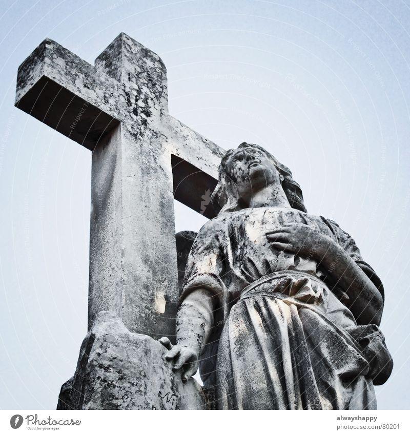 heaven knows i'm miserable now Himmel ruhig Tod dunkel grau Stein Religion & Glaube Rücken Hoffnung Engel Trauer Ende verfallen Gebet Verzweiflung Abschied