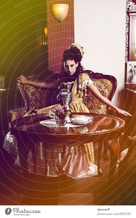 Miss Barock Lifestyle Innenarchitektur Dekoration & Verzierung Möbel Sofa Sessel Stuhl Tisch Mensch feminin Junge Frau Jugendliche Erwachsene Leben 1