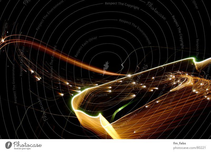 Feuerprobe Silvester u. Neujahr mehrfarbig Fächer Nacht Feuerwerk dauerfeuer feuerprobe Farbe Linie Punkt Brand Dynamik jahresausklang knallig jahreswende