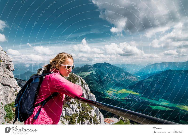 Erholung pur Lifestyle Ferien & Urlaub & Reisen Tourismus Ausflug Sommer Sommerurlaub Berge u. Gebirge wandern Klettern Bergsteigen feminin Junger Mann