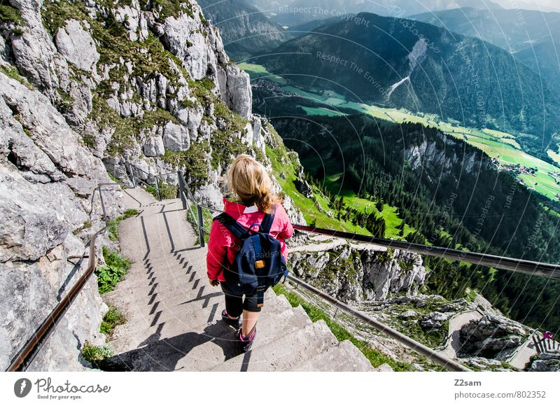 Abstieg II Ferien & Urlaub & Reisen Tourismus Ausflug Sommerurlaub Berge u. Gebirge wandern feminin Junge Frau Jugendliche 18-30 Jahre Erwachsene Landschaft