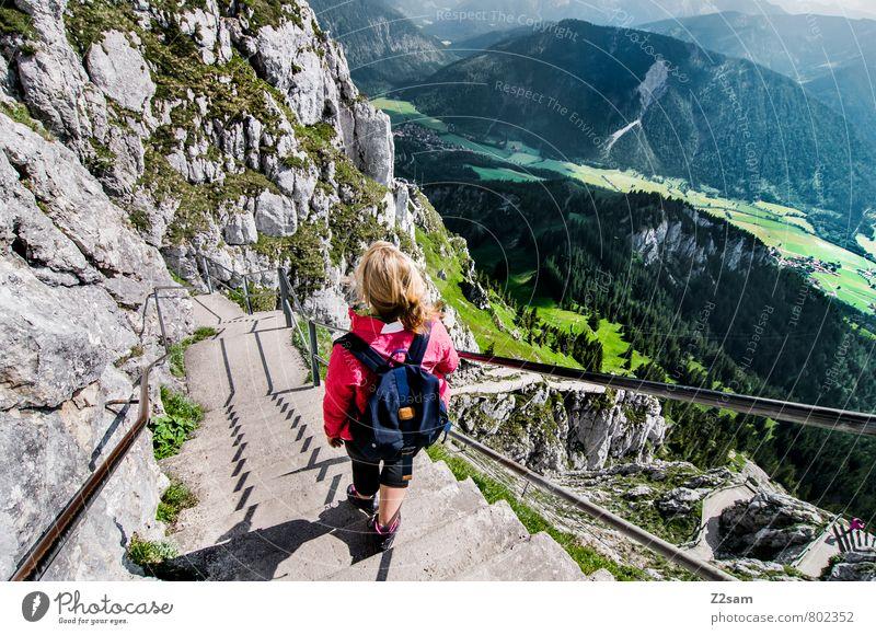 Abstieg II Himmel Ferien & Urlaub & Reisen Jugendliche Erholung Junge Frau Landschaft Wolken 18-30 Jahre Erwachsene Berge u. Gebirge feminin natürlich gehen