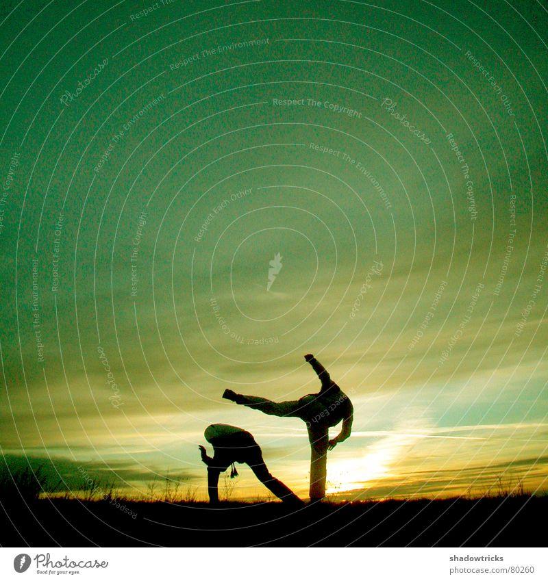 Die Capoeira-Session Foto 3 Mensch Himmel Sonne grün blau Winter schwarz gelb Sport Spielen Berge u. Gebirge Bewegung 2 Gesundheit Fitness