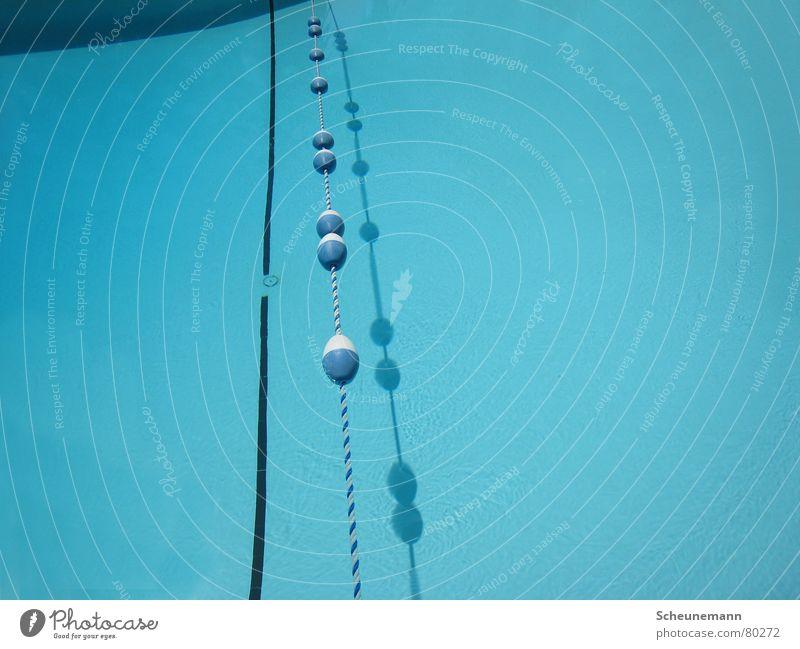 Pool I Wasser blau Ferien & Urlaub & Reisen Sport Erholung Spielen Bad Schwimmbad Teilung Kette Schifffahrt Barriere Wassersport Boje Wasserstraße aquatisch