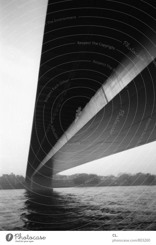 brücke Umwelt Natur Wasser Himmel Wellen Küste Flussufer Düsseldorf Stadt Brücke Bauwerk Architektur Perspektive Wege & Pfade Ziel Zukunft Verbindung Kontakt