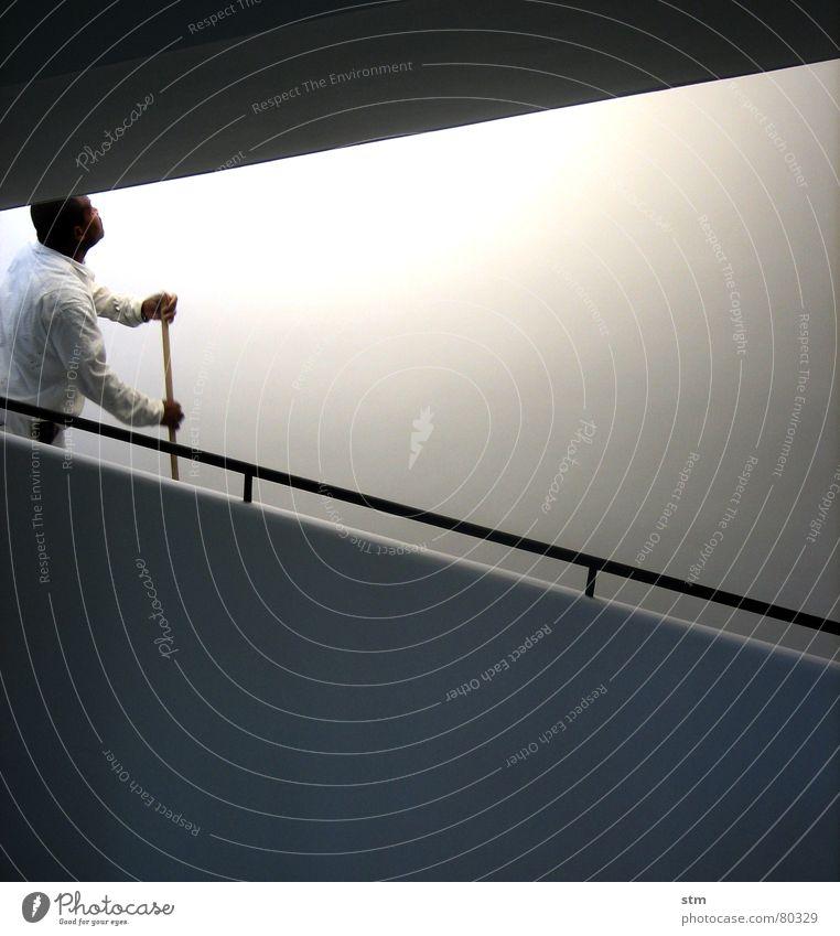 weiss 2 Wand Putz schwarz Rampe Licht diagonal Anstrich Mauer bleich farbneutral weiß lichtvoll modern Farbe Geländer Linie Treppe Schatten rücksprung