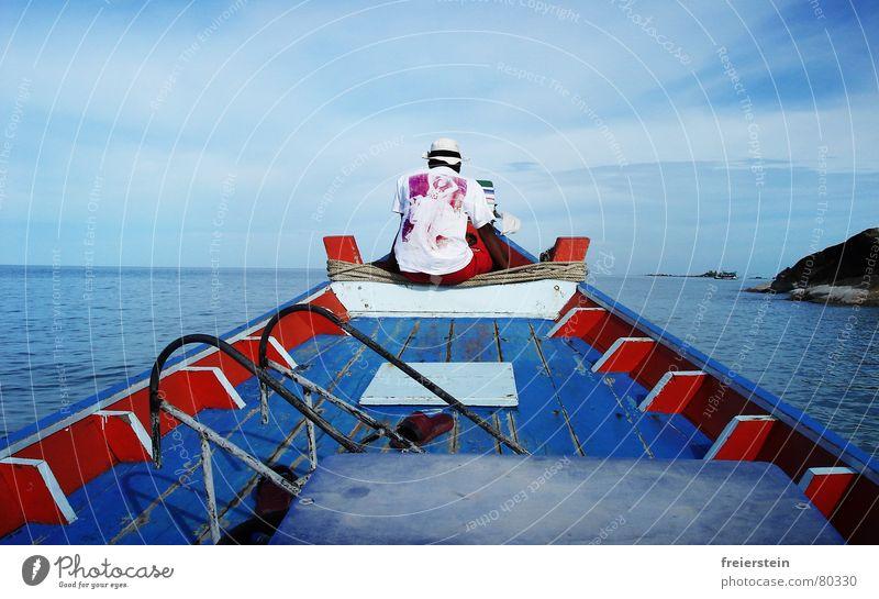 Back in Blue Rückansicht vorwärts Fischer Wasserfahrzeug Meer Thailand Asien fahren Geschwindigkeit Ferien & Urlaub & Reisen Strand bootsmann rückwärts