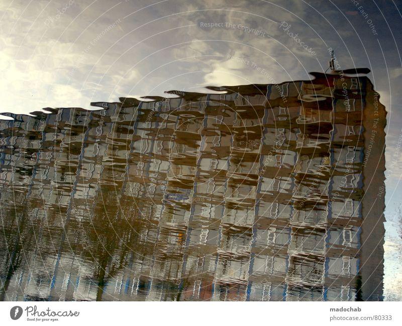 ATLANTIS IV Pfütze wirklich Nebel nass Herbst Haus Hochhaus Gebäude Material Fenster live Block Beton Etage trist dunkel Leidenschaft Spiegel Vermieter Mieter