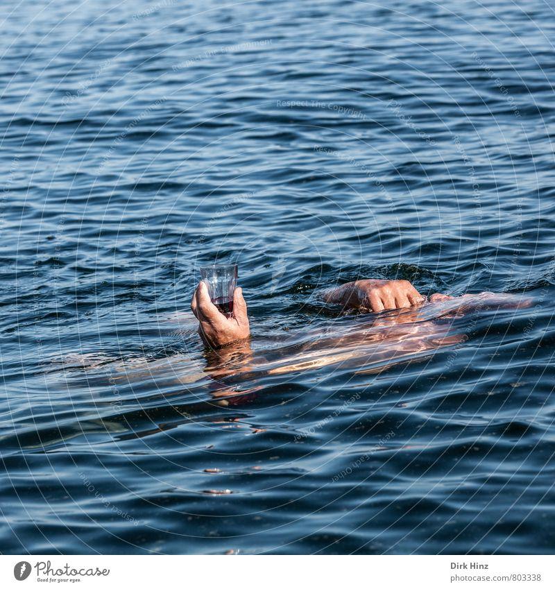 Red Wine And Sea Getränk Wein Wellness Erholung Schwimmen & Baden Ferien & Urlaub & Reisen Sommer Meer Wellen tauchen maskulin Mann Erwachsene Leben Körper Hand