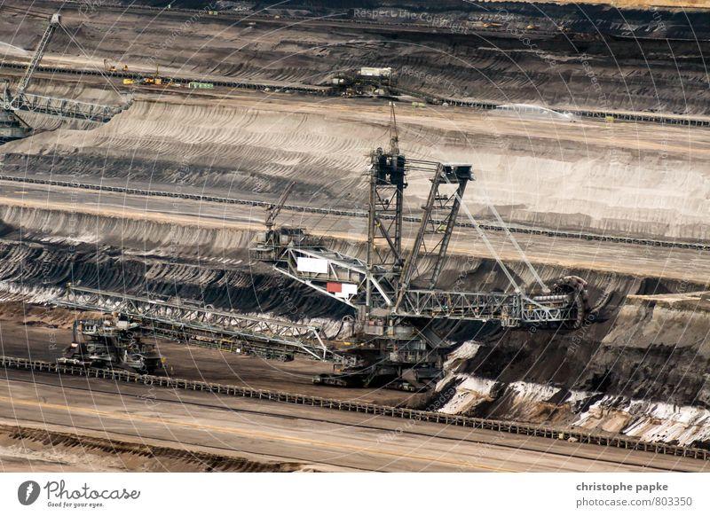 Denn wer baggert da so spät noch am Baggerloch? Arbeit & Erwerbstätigkeit Baustelle Industrie Energiewirtschaft dreckig Umweltverschmutzung Umweltschutz Kohle