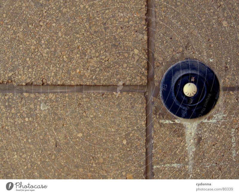 AUS alt dunkel Wand Mauer Gebäude hell Wetter Elektrizität Technik & Technologie Kabel Baustelle Innenarchitektur berühren Zeichen Dienstleistungsgewerbe