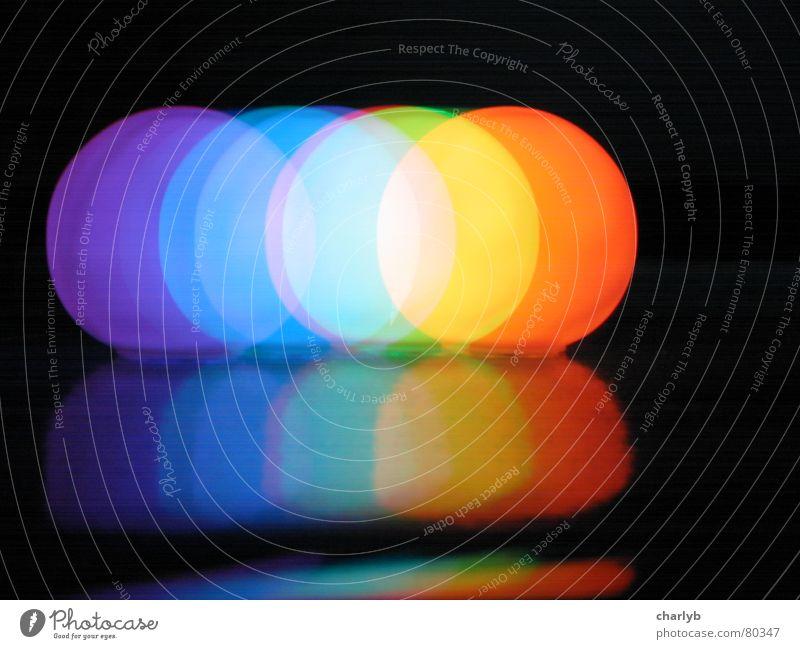 Lichter schwarz Farbe rund Kugel Langzeitbelichtung Regenbogen