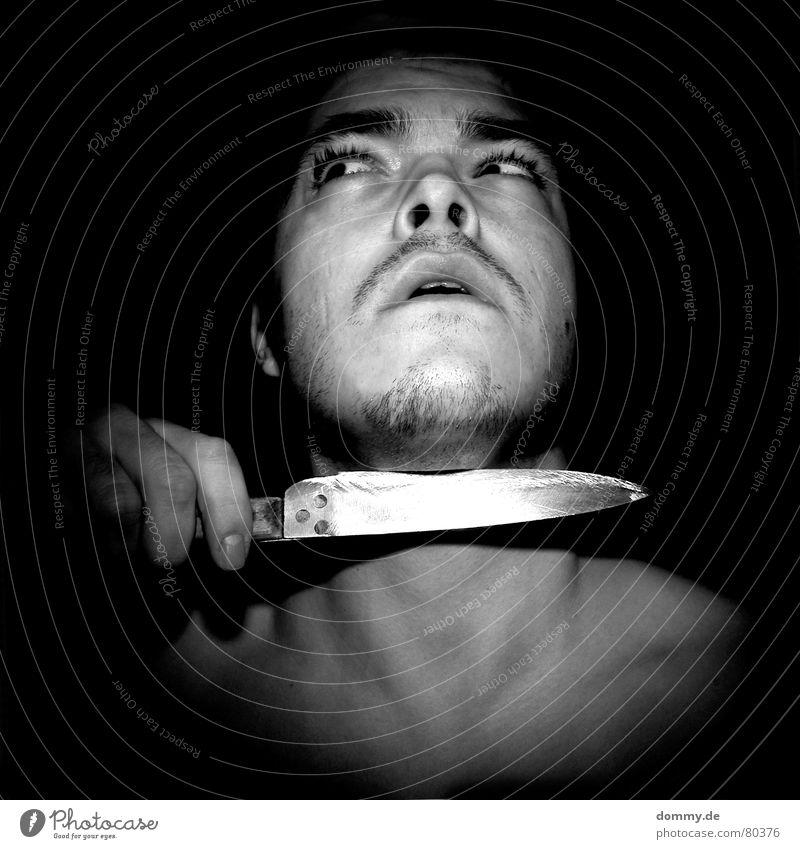 hostage Mann schwarz Gesicht Auge Mund Haut Nase 3 Aktion Finger Ohr Zähne Lippen Bart Verzweiflung Hals