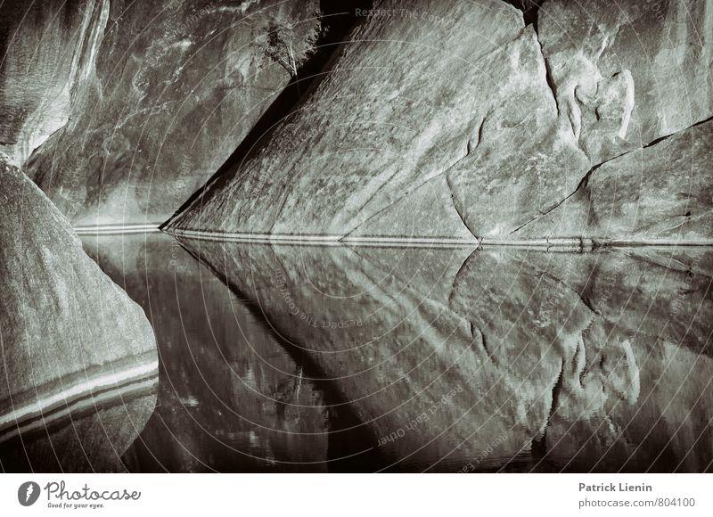 Wasserspiegel Natur Ferien & Urlaub & Reisen Einsamkeit Landschaft Umwelt außergewöhnlich Linie See Felsen Zufriedenheit Perspektive Klima nass Schönes Wetter