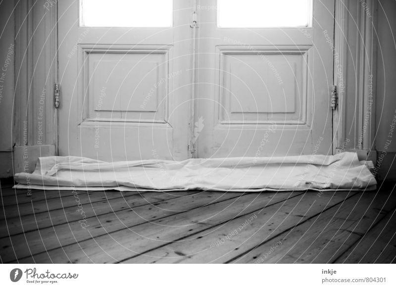 Schotten dicht alt schön Stil Wohnung Raum Lifestyle Häusliches Leben Baustelle historisch Wohnzimmer Renovieren Holzfußboden ziehen Lücke Altbau Bettlaken