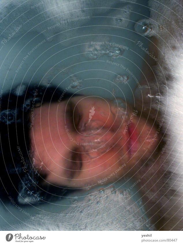 UNTERWASSER ertrinken Bad tauchen atmen Einsamkeit Schaum Ärger Verzweiflung Luftblase Wut Schifffahrt Wasserschwall Sorge Wasserbehälter verloren Wasserstoff
