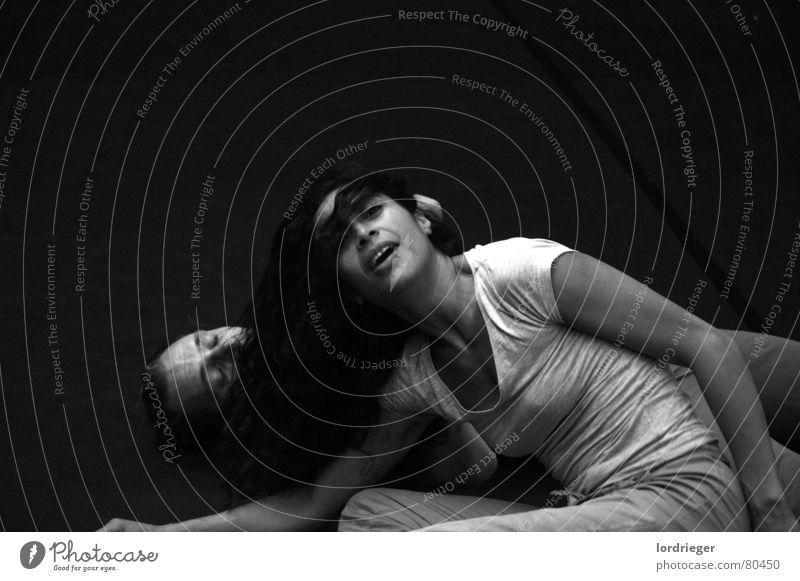 eins werden oder der fruchtbarkeitsritus (ego) schwarz Gesicht Liebe Gefühle oben Bewegung Zusammensein Tanzen Mund Geschwindigkeit schlafen Frieden unten