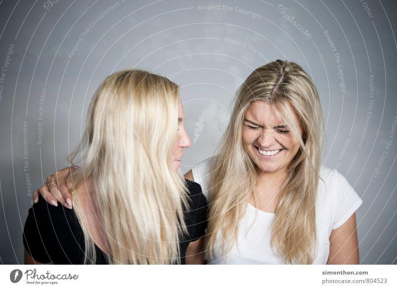 girls Mensch Jugendliche Freude 18-30 Jahre Erwachsene Leben feminin Liebe Glück Freundschaft Zusammensein Familie & Verwandtschaft Fröhlichkeit genießen