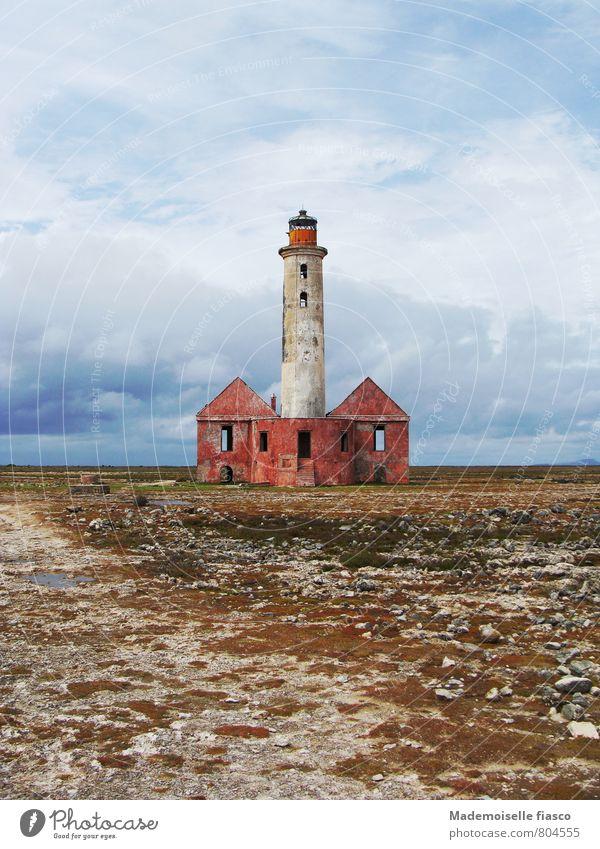 Zerfallende Leuchturmruine Menschenleer Ruine Leuchtturm Bauwerk Gebäude Stein Sand alt standhaft Abenteuer Einsamkeit Ewigkeit Idylle Nostalgie ruhig