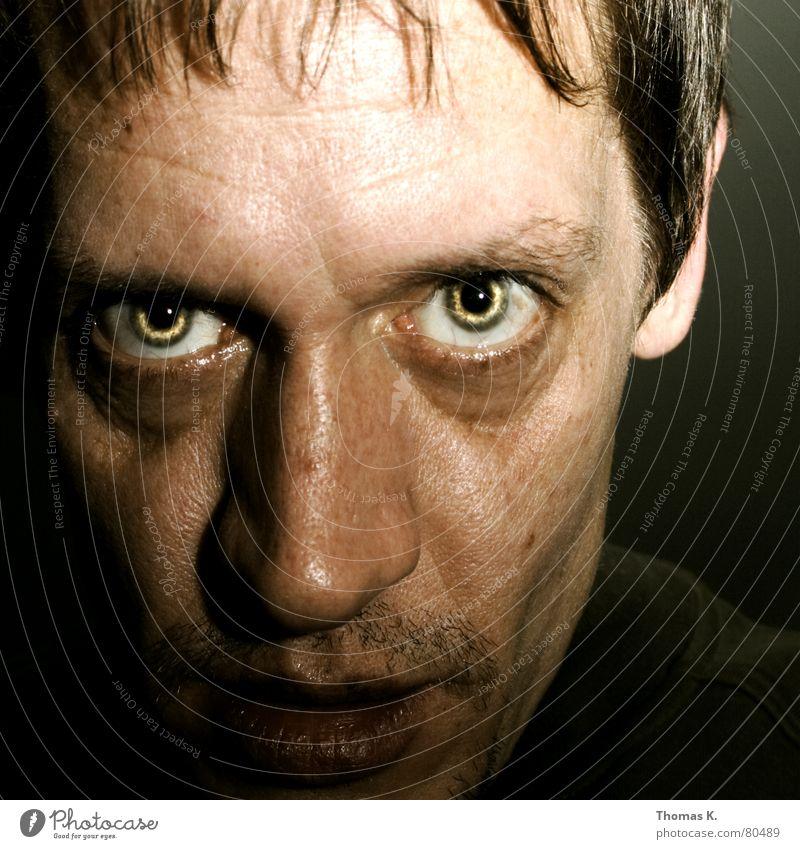 Kumpelblase (oder: 1st Shot Of The Year) Mensch Mann Gesicht schwarz Auge dunkel Stil Haare & Frisuren Kopf Mund Beleuchtung Kraft Angst lustig planen Nase