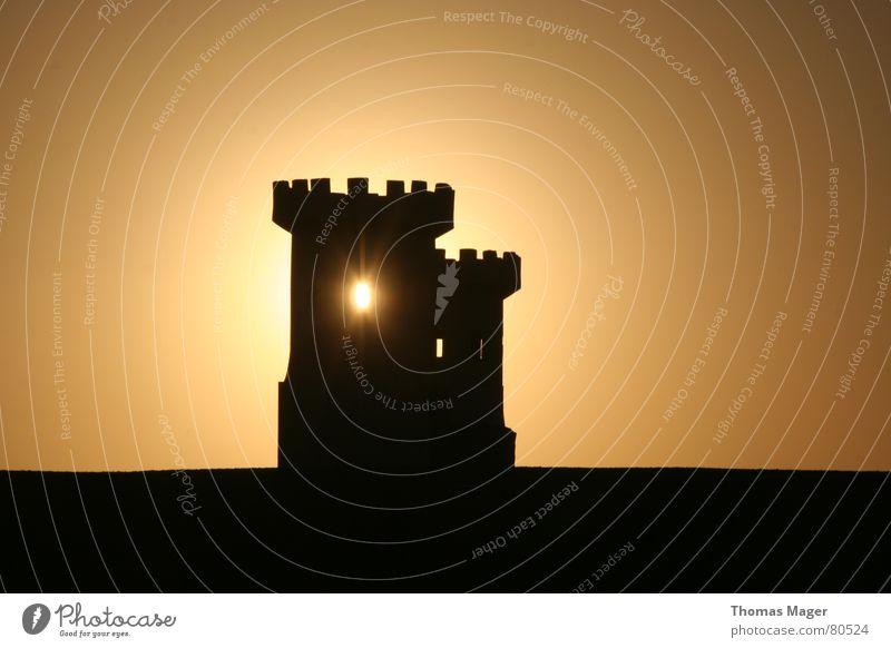Lichtblick Sonne Zeit Turm Vergänglichkeit Abenddämmerung Momentaufnahme