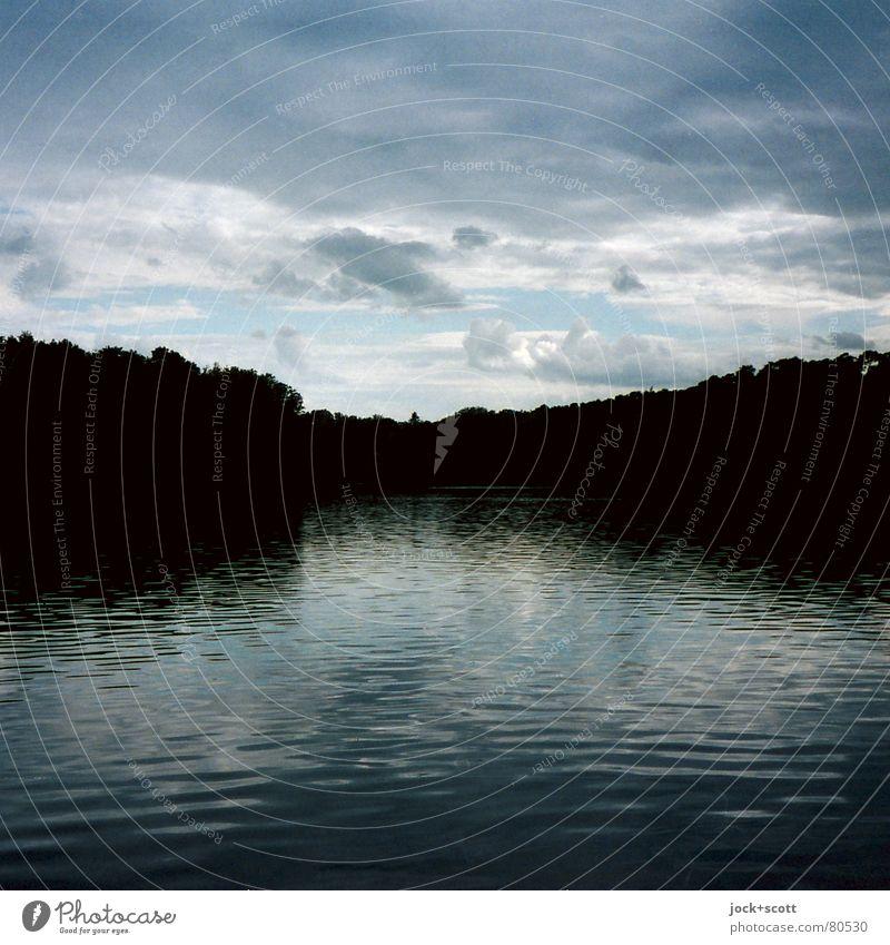 Das Lied von der krummen Lanke Wasser Einsamkeit ruhig Wolken schwarz dunkel Wald lustig Zeit Stein See Idylle Schuhe frisch Ausflug Freundlichkeit