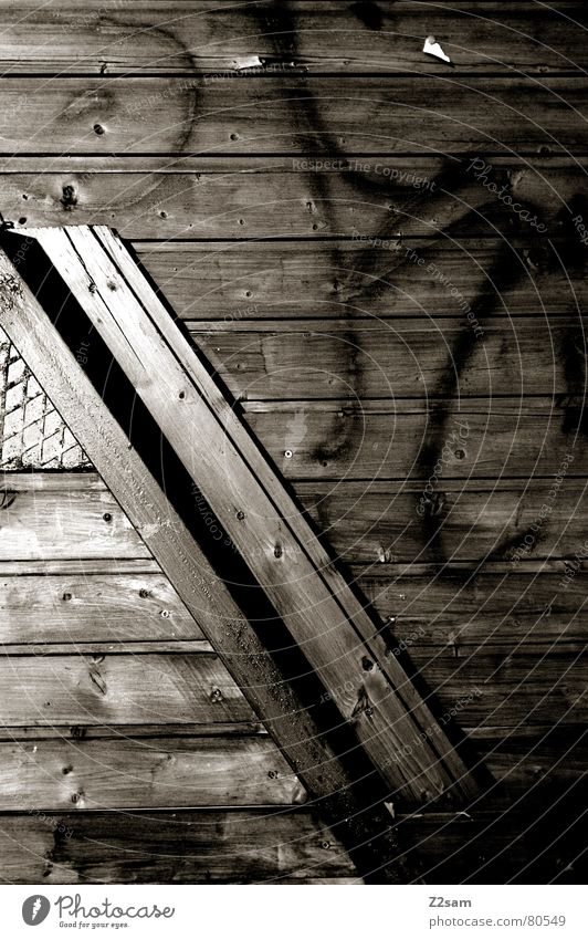 winkel dunkel Fenster Holz Linie Graffiti glänzend Ecke diagonal Schraube Gitter quer