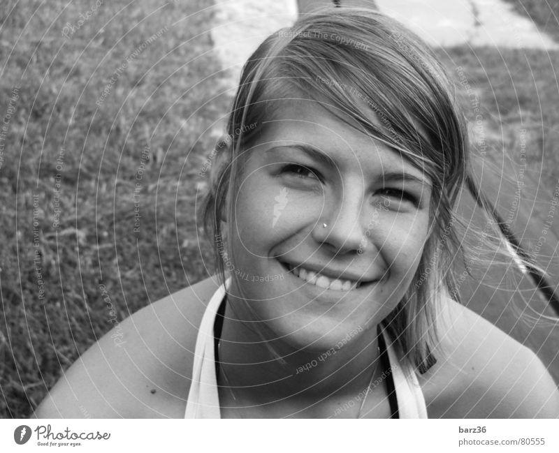 natürlich schön süß Frau Sommer Wiese Fröhlichkeit charmant Freude lachen Natur