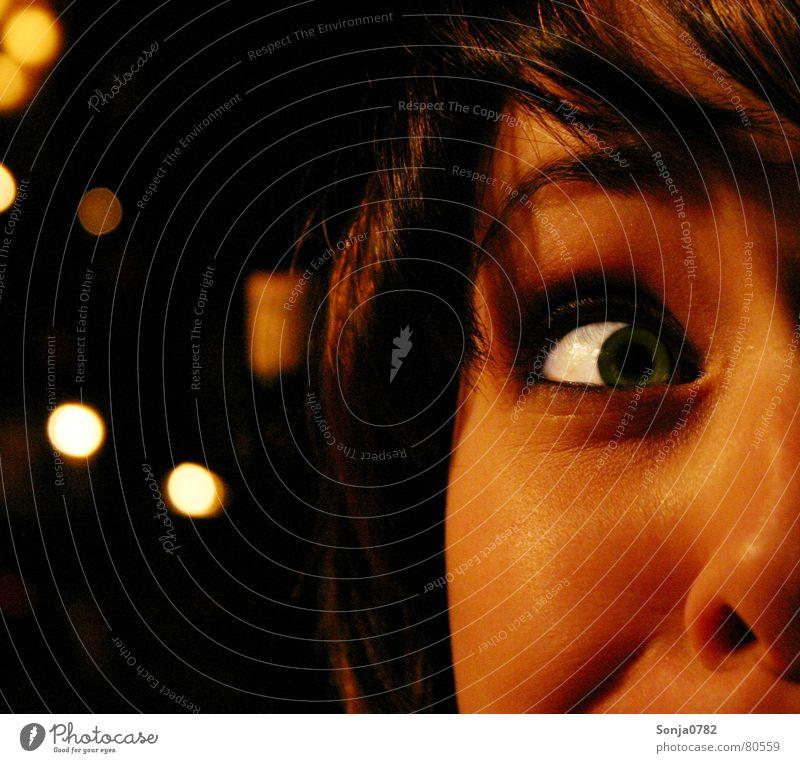 Eyecatcher_Fratze02 Frau grün schön weiß rot Freude Gesicht gelb Auge Wärme Gras lustig lachen Kopf Deutschland hell