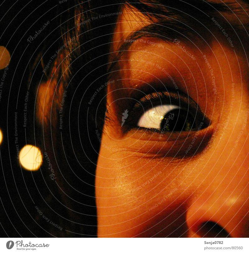 Eyecatscher_Fratze03 Frau grün schön weiß rot Freude Gesicht gelb Auge Wärme Gras lustig lachen Kopf Deutschland hell
