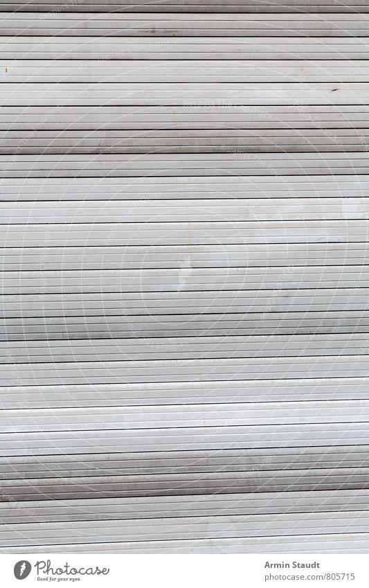 Rollladen alt authentisch dreckig einfach hässlich trashig Stimmung Sicherheit Stadt geschlossen Hintergrundbild Muster Strukturen & Formen Linie gestreift
