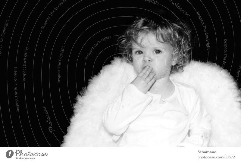 Uppss .... schon wieder Weihnachten !? Kind Weihnachten & Advent Mädchen weiß Engel Flügel Kleinkind Locken Christkind