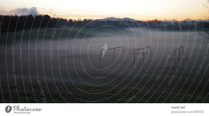 Grosse Allmend Bern Wiese Nebel Stimmung dunkel Stadion Allmend Morgen Kanton Bern