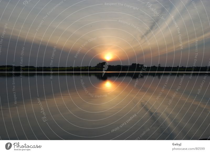... und langsam ausblenden Natur Wasser Himmel Sommer ruhig Lampe Erholung See Kraft gehen Horizont Energiewirtschaft Fluss Romantik Ende Spiegel
