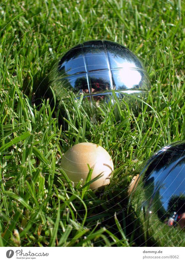 Boule grün Spielen Holz Gras Freizeit & Hobby rund Kugel Eisen Boule