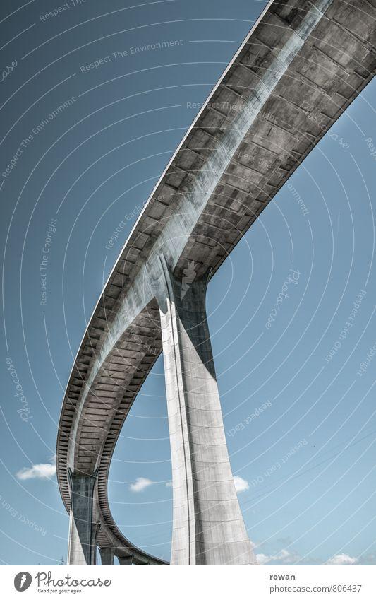 brücke Verkehr Verkehrswege Autofahren Straße blau Brücke Beton Brückenpfeiler hoch Autobahn Verbindung Ingenieur Konstruktion Farbfoto Außenaufnahme